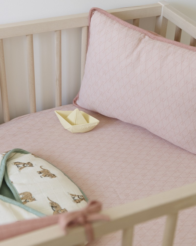 coussin pour bébé rose