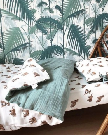 Duvet cover and a corded pillowcase