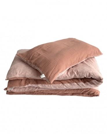 Little girl's bed linen set