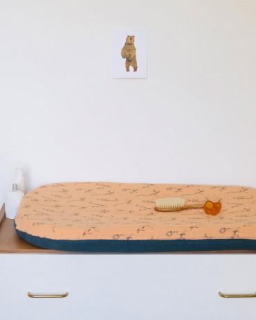 Jolie Housse de Table à Langer Lémurien