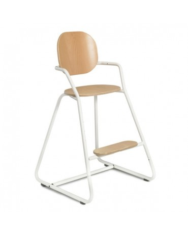 White evolutionary high chair of the brand tibu collab milinane