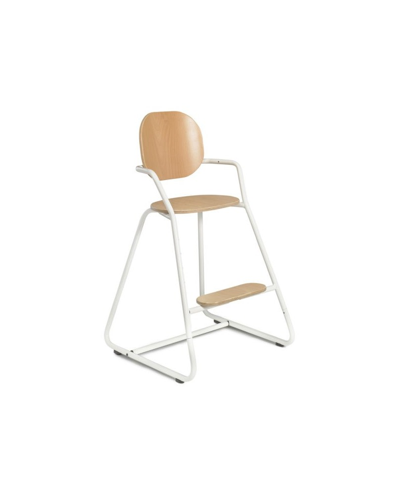 White evolutionary high chair of the brand tibu collab milinane