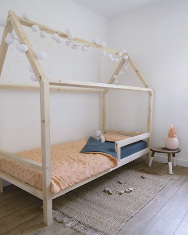 Lemur Bed Set