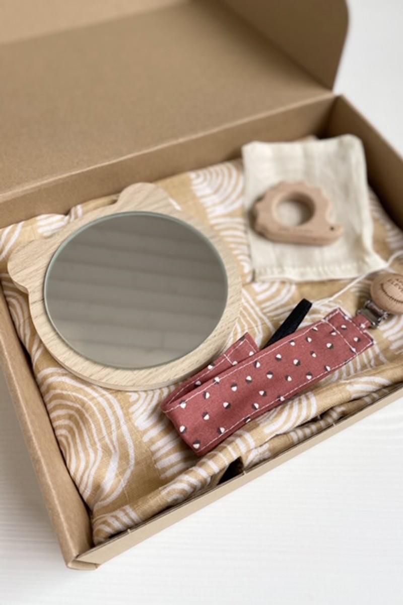 Birth box with the essentials